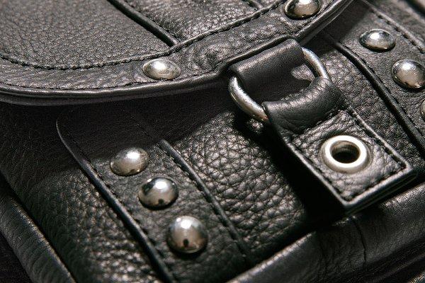 LEG BAG-01